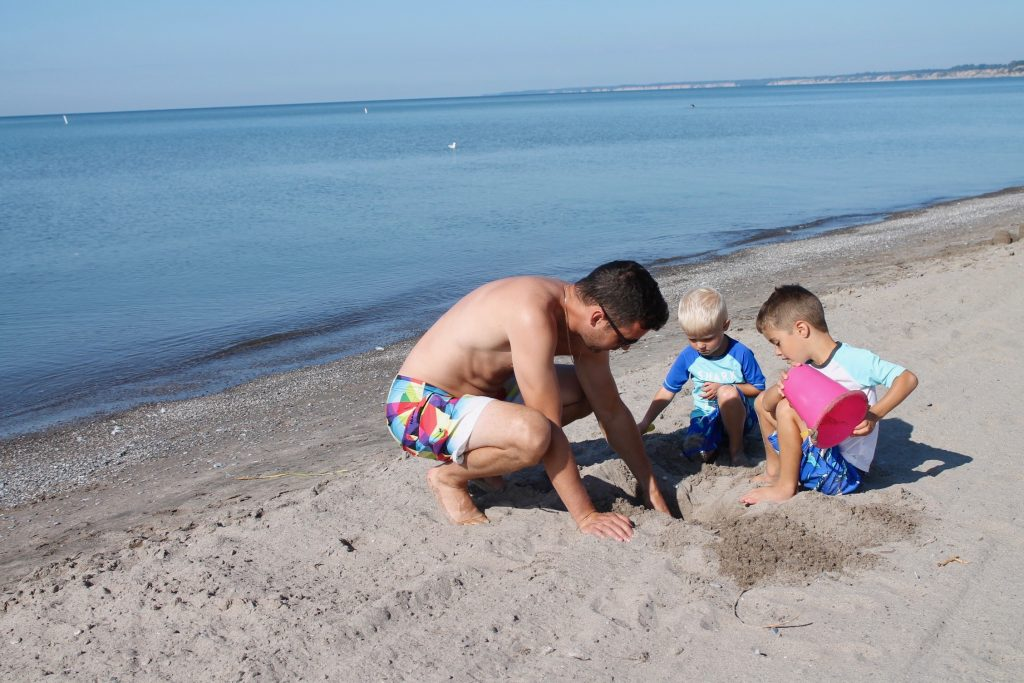 Making Memories - family fun travel at the beach in Port Stanley, Ontario