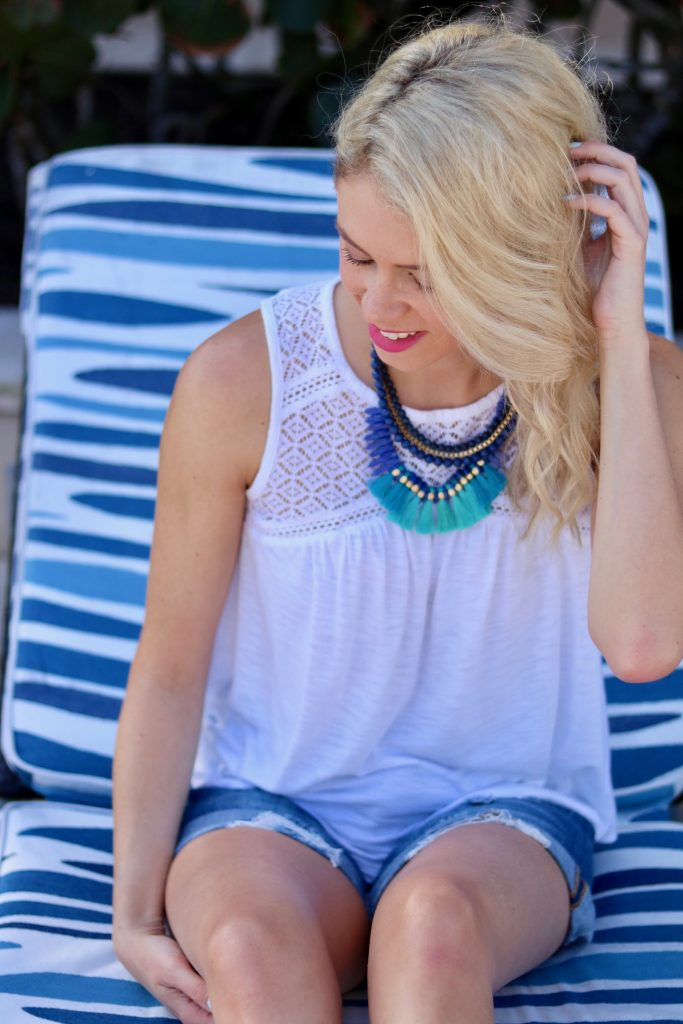 What to Wear in Bahamas - colour inspiration