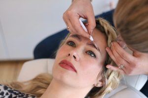Brow Pampering: Eyebrow tinting, shaping and waxing at Laura Brow