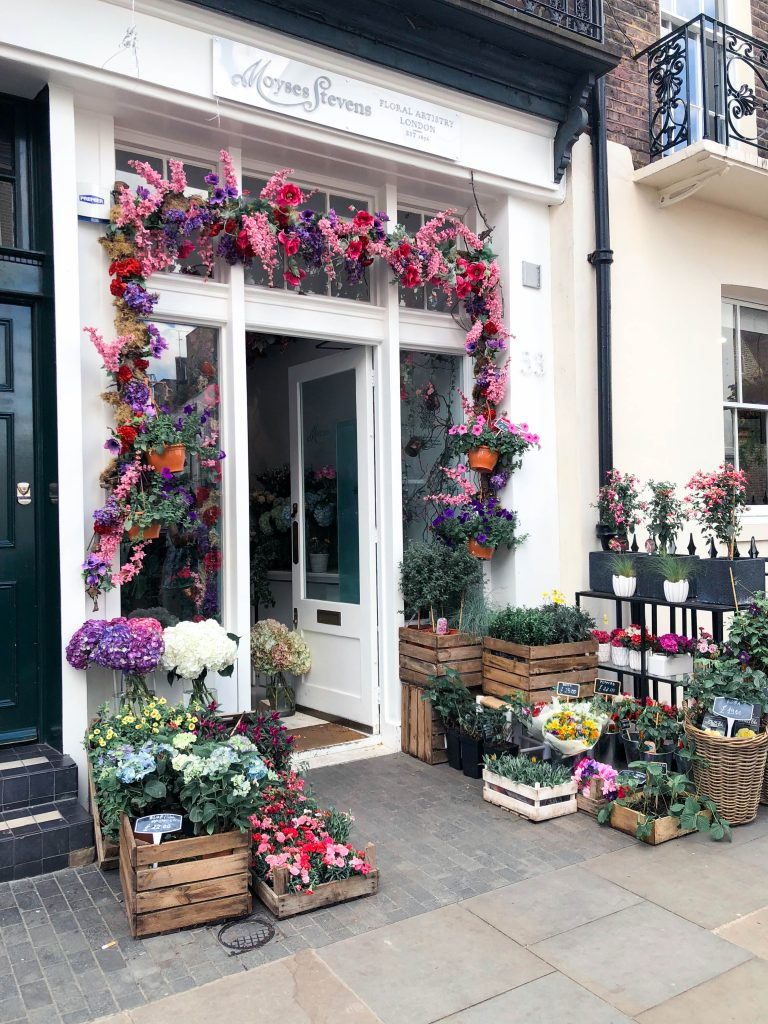 Elizabeth Street - Instagrammable London, UK - where to take photos when traveling in London