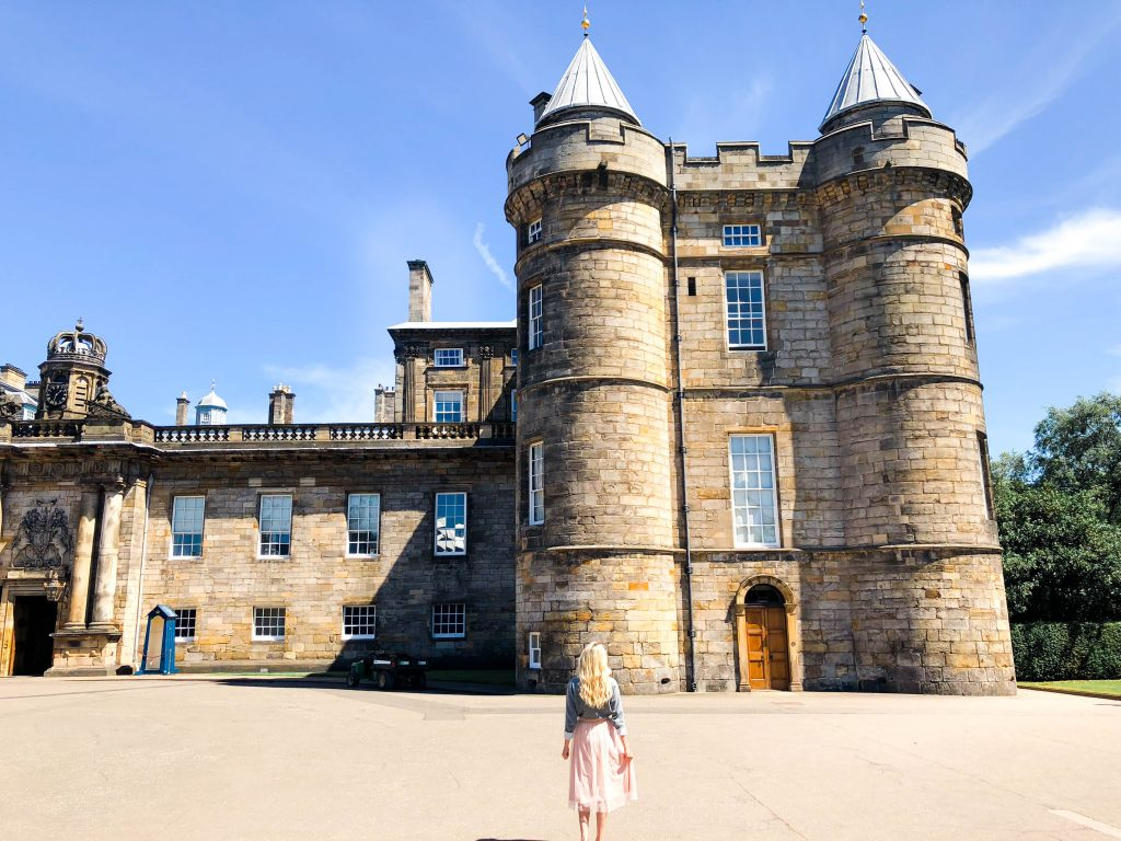 2 DAYS IN EDINBURGH, SCOTLAND, travel to the best highlights that you must-see in this beautiful Gothic City in the UK!
